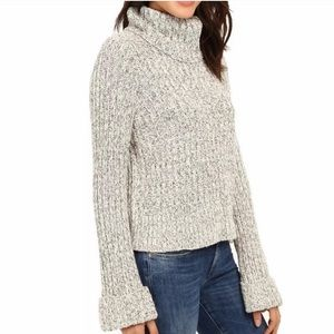 Free People twisted cable turtle neck sweater EUC